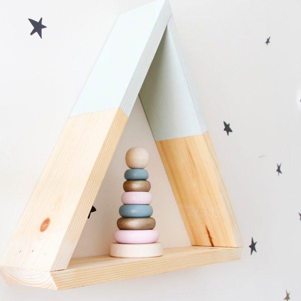 מדף עץ בצורת משולש מעץ מלא