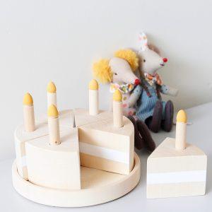 עוגת יום הולדת מעץ מלא