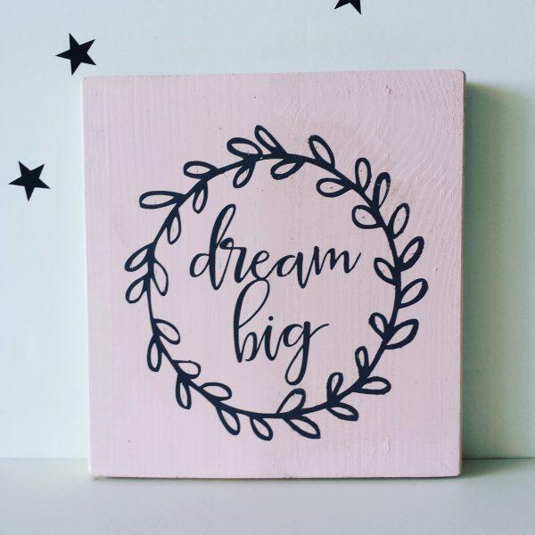 """dream big"" תמונת קיר מאוירת"