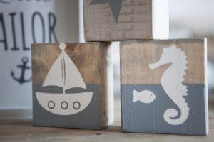 בלוקי עץ מאויירים בסגנון ים
