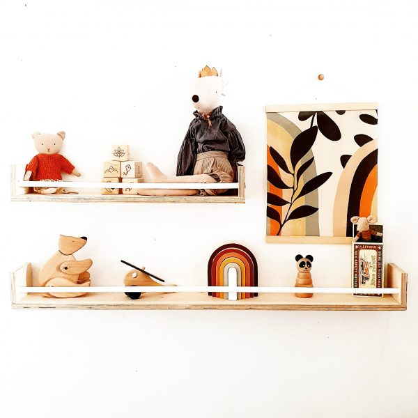 מדף בעיצוב הולנדי