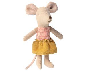 עכברה אחות קטנה בקופסת גפרורים