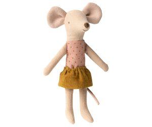 עכברה אחות גדולה בקופסת גפרורים