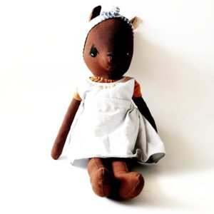 בובת עפר חמודה - לי - Qubashi