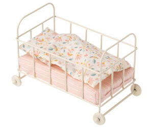מיטת תינוק ממתכת מיקרו