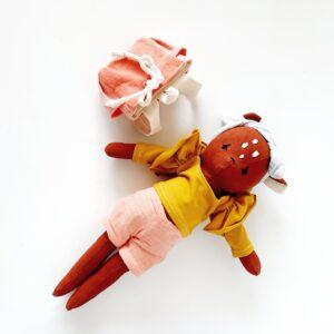 בובת במבי חומה עם תיק גב - Qubashi