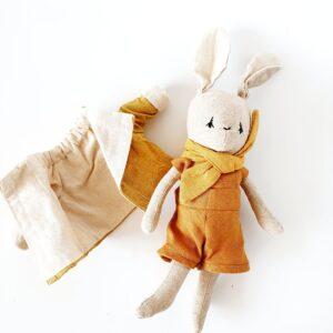בובת ארנב עם צעיף - Qubashi