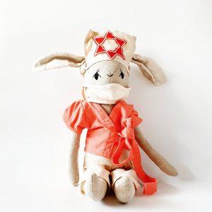 בובת ארנבונית אחות רפואית - Qubashi