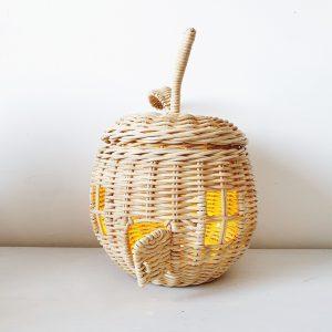 מנורת נצרים בצורת תפוח