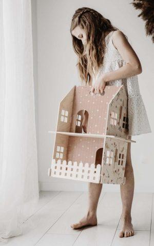 בית בובות קומותיים לעיצוב החדר - ורוד בהיר